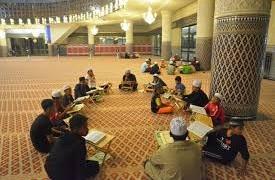 hati terikat di masjid